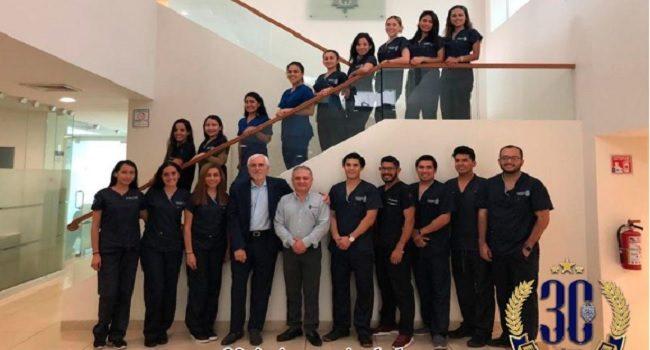 visita ken serota facultad de odontologia uady
